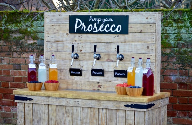Pimp your Prosecco bar with taps